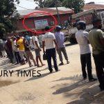 नेपाल बिधुत प्राधिकरण जनकपुरमा पनि कोरोनाका बिच अत्यधिक भीड़ (फोटो फीचर)